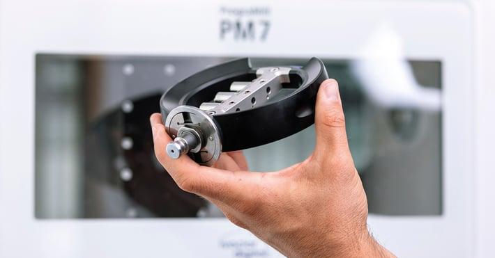 Produzione di abutments personalizzati in titanio con PrograMill PM7